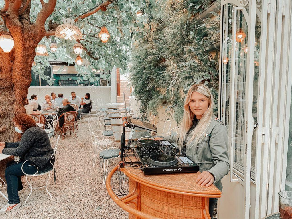 Botanic Restaurant Bar Canet Dj Laura Laffon